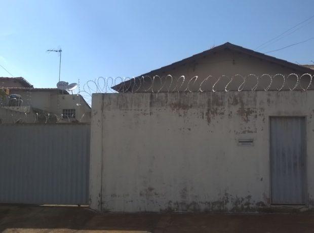 CASA RESIDENCIAL 03 QUARTOS SENDO 01 SUÍTE – SETOR SOLAR SANTA RITA – GOIÂNIA