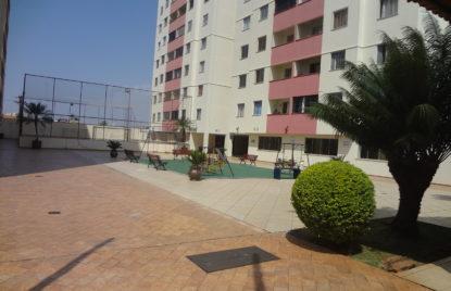 Apartamento com 03 quartos no Jardim Nova Era