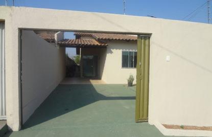 Casa com 03 quartos setor Jardim Pampulha