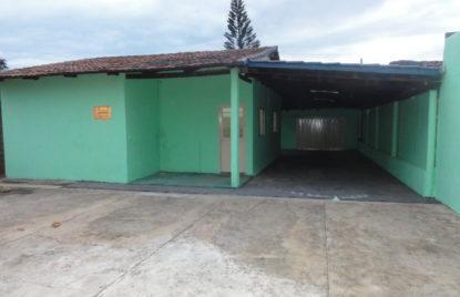 Casa com 03 quartos setor Santos Dumont