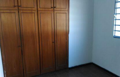 Apartamento sobre loja no setor Santa Genoveva