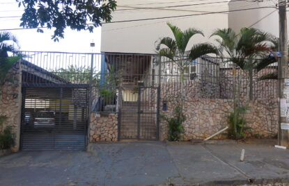 Apartamento com 03 quartos no setor Alto da Gloria