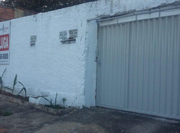 Casa com 02 quartos no setor Pedro Ludovico